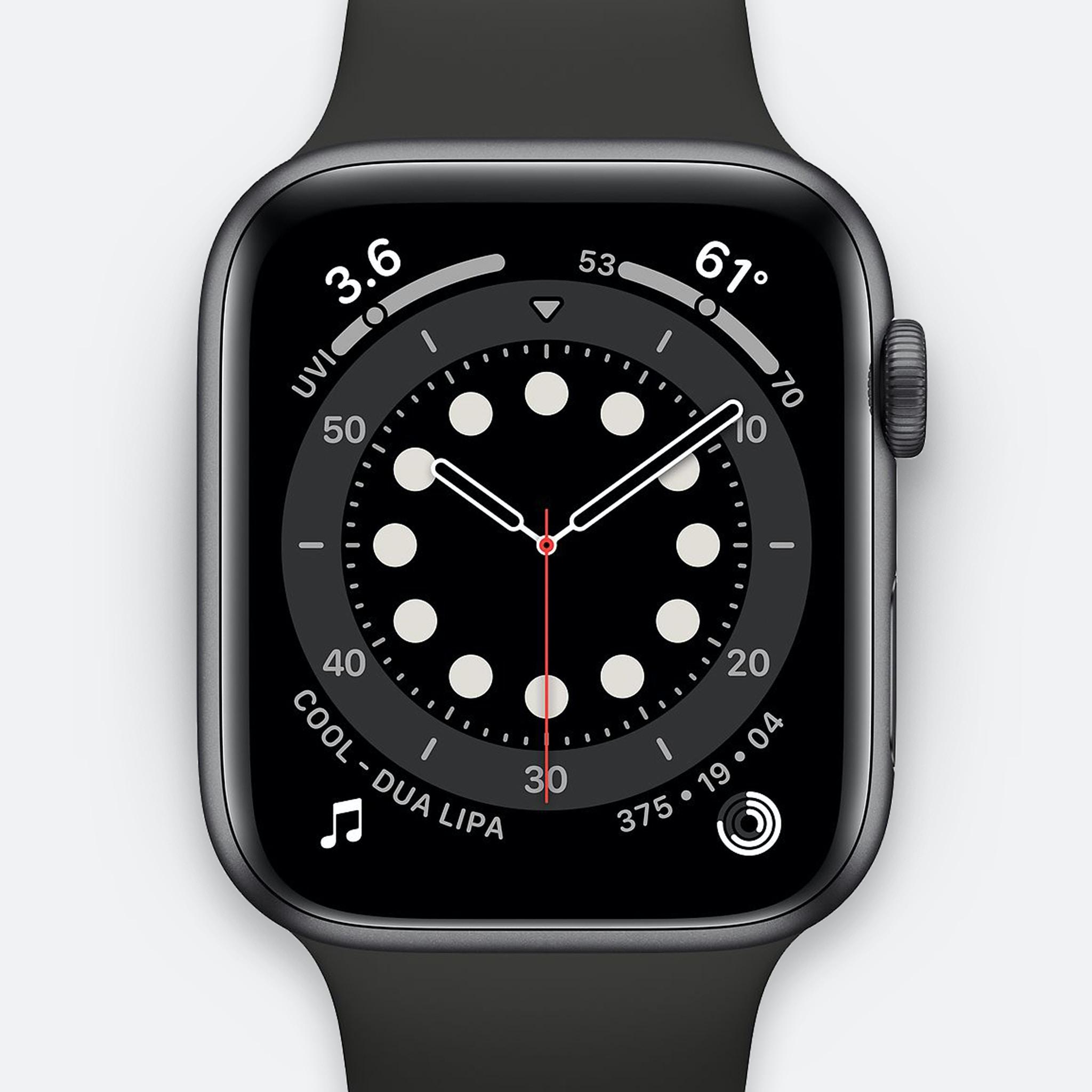 ساعة ابل الاصدار 6 جي بي اس + شبكة خلوية، 44 ملم - هيكل من الالومنيوم الرمادي الكوني مع سوار رياضي باللون الاسود موديل عادي