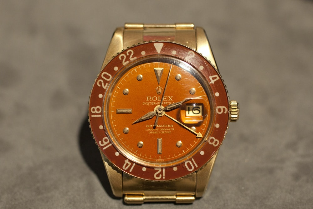 on the block gold rolex gmt ref 6542 with bakelite bezel. Black Bedroom Furniture Sets. Home Design Ideas