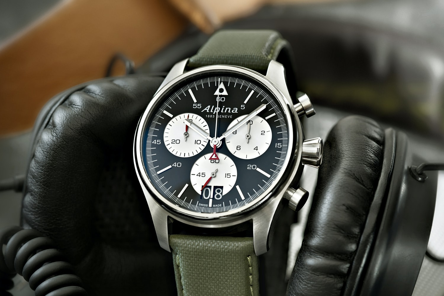 Introducing The Alpina Startimer Pilot Chronograph Big Date, With A New Dial And Timing To 1/10th Of A Second