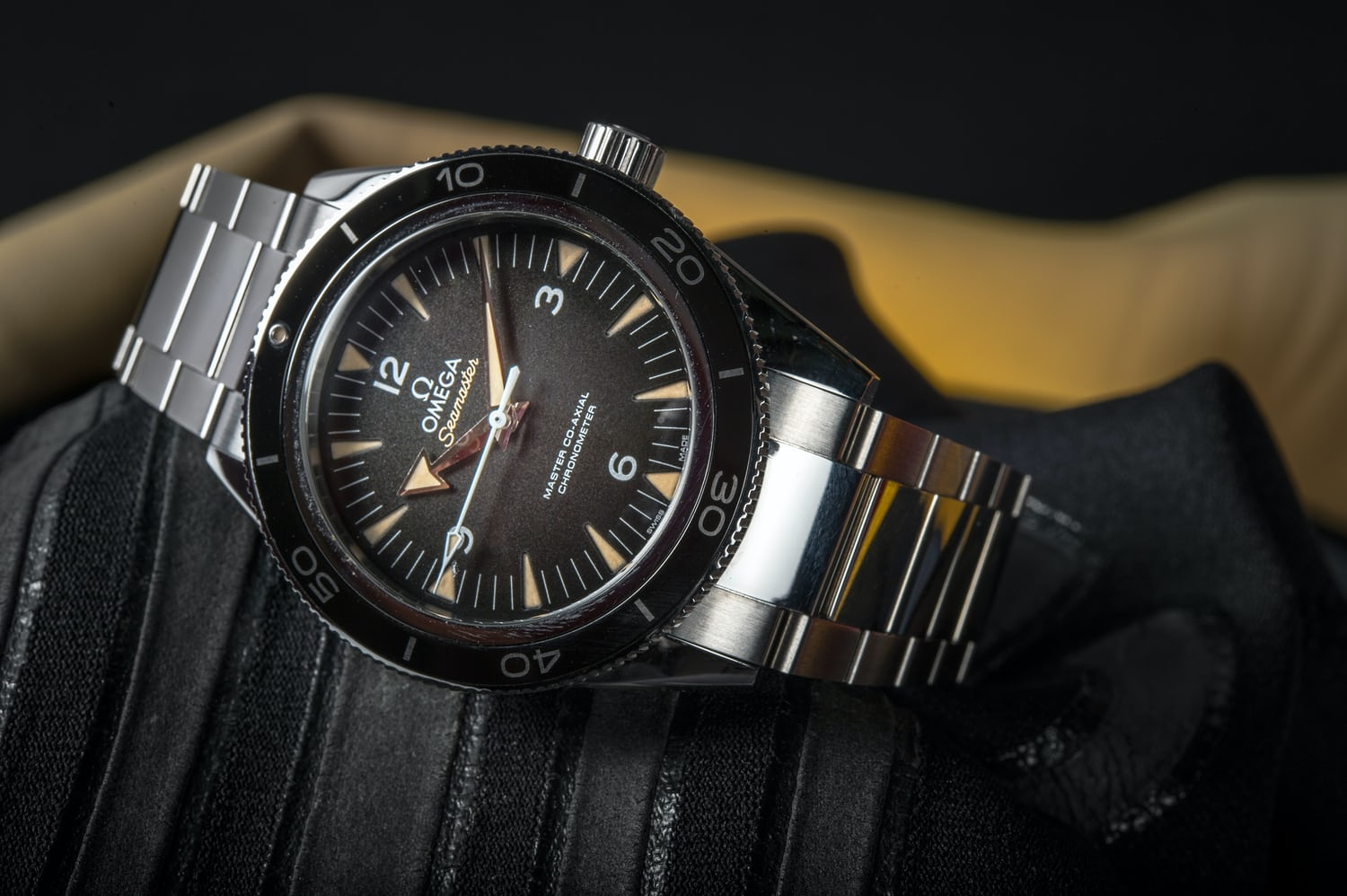 4519cd1352ae In-Depth  Diving Into The Past With The New Omega Seamaster 300 Master  Co-Axial - HODINKEE