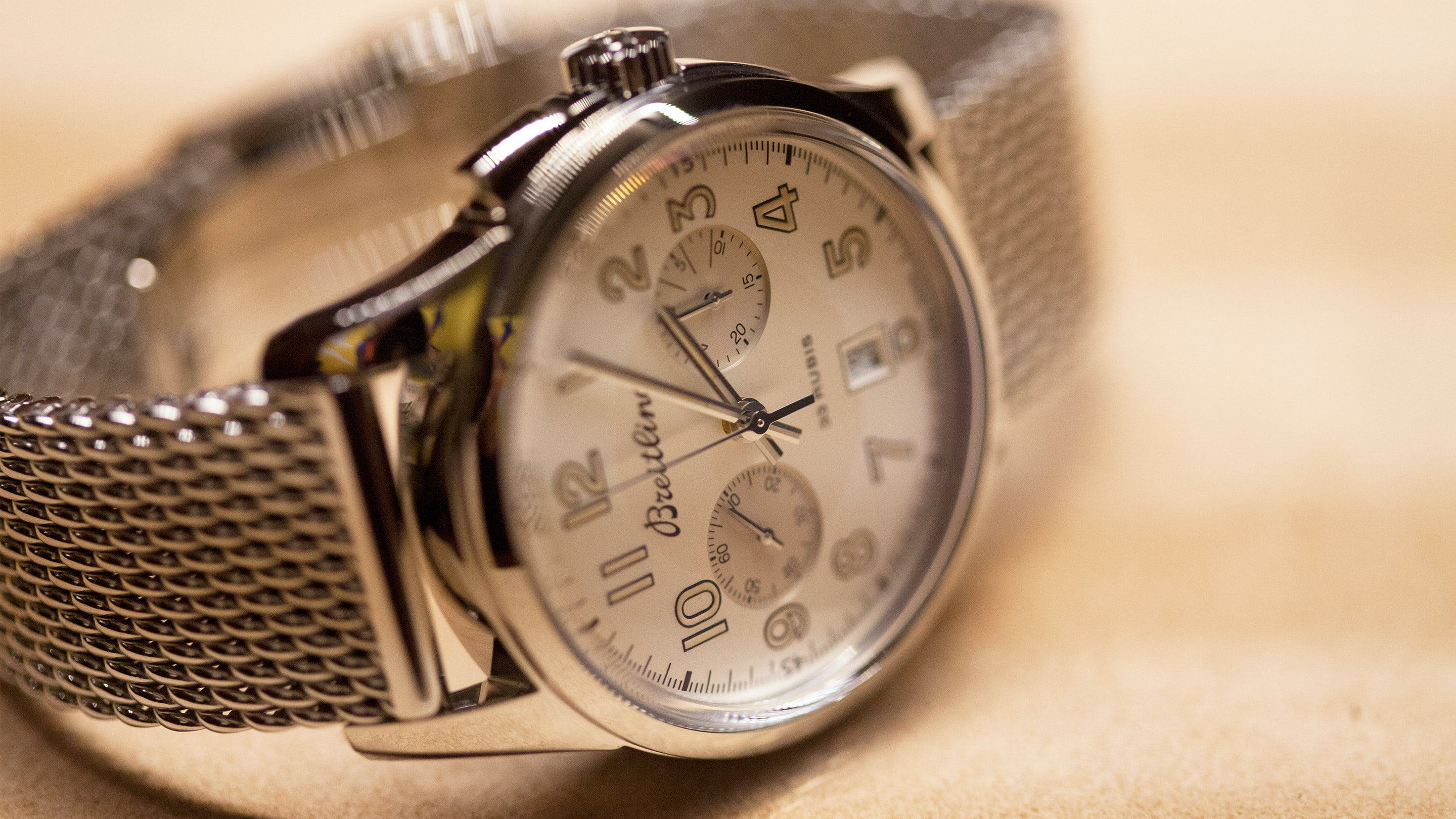 Hands-On: The Breitling Transocean Chronograph 1915 Monopusher