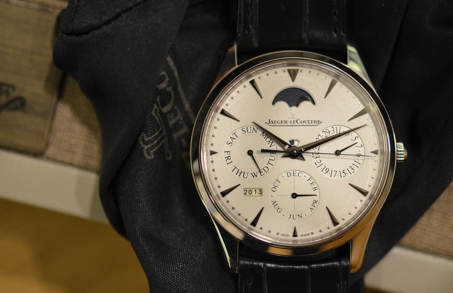 In-Depth: Introducing The Jaeger-LeCoultre Master Ultra Thin Perpetual Calendar (Live Photos, Thoughts, Official Pricing)