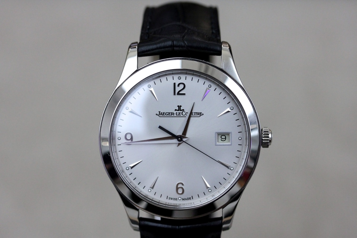 Hands On With The Jaeger Lecoultre Master Control Date