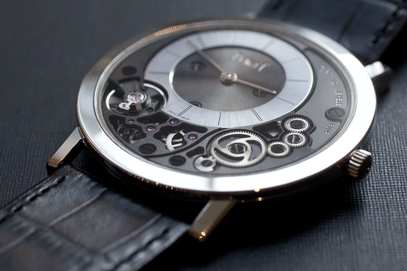 piaget 900P oblique view