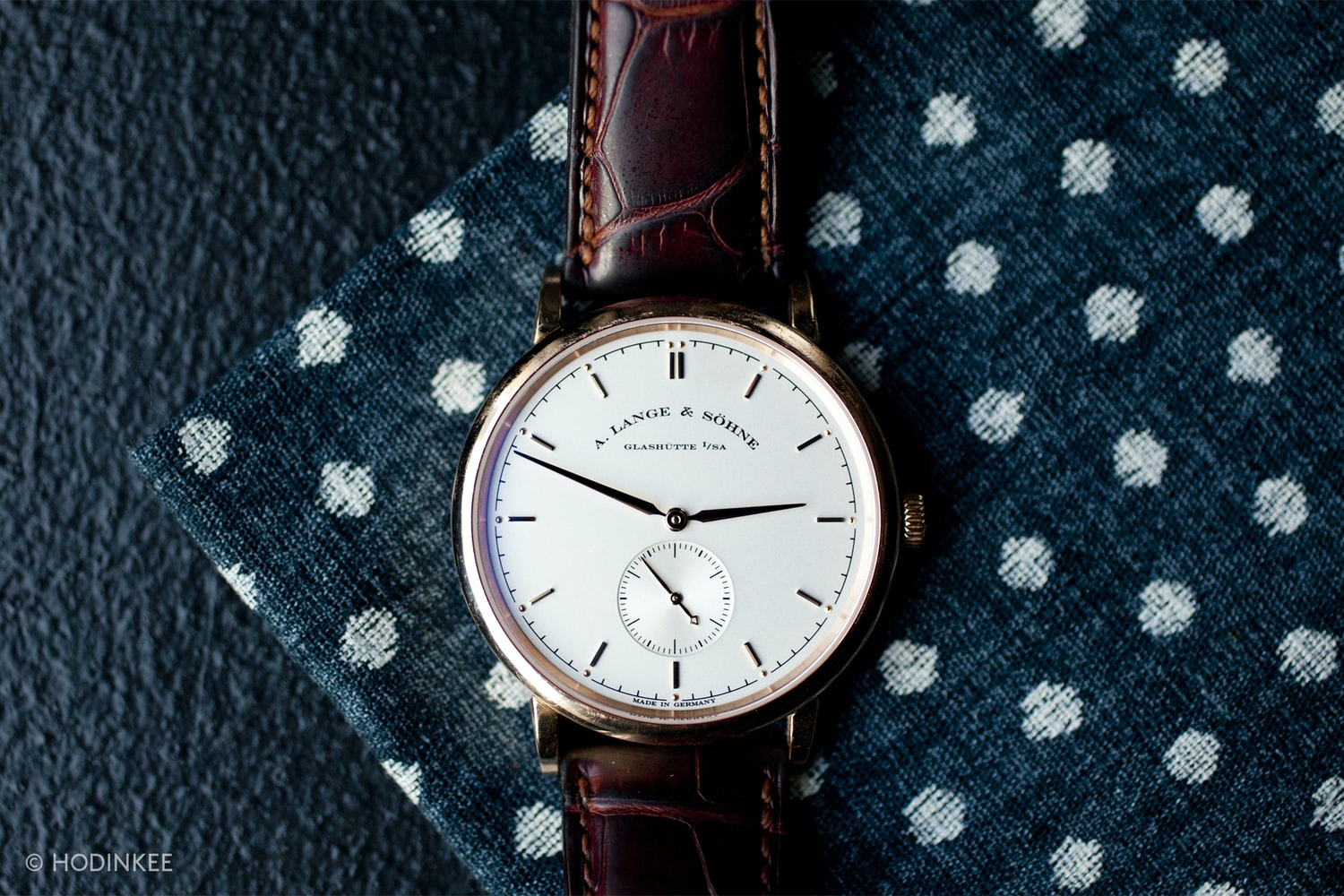 a lange sohne saxonia small seconds A Week On The Wrist: The A. Lange & Söhne Saxonia Thin 37mm A Week On The Wrist: The A. Lange & Söhne Saxonia Thin 37mm  img