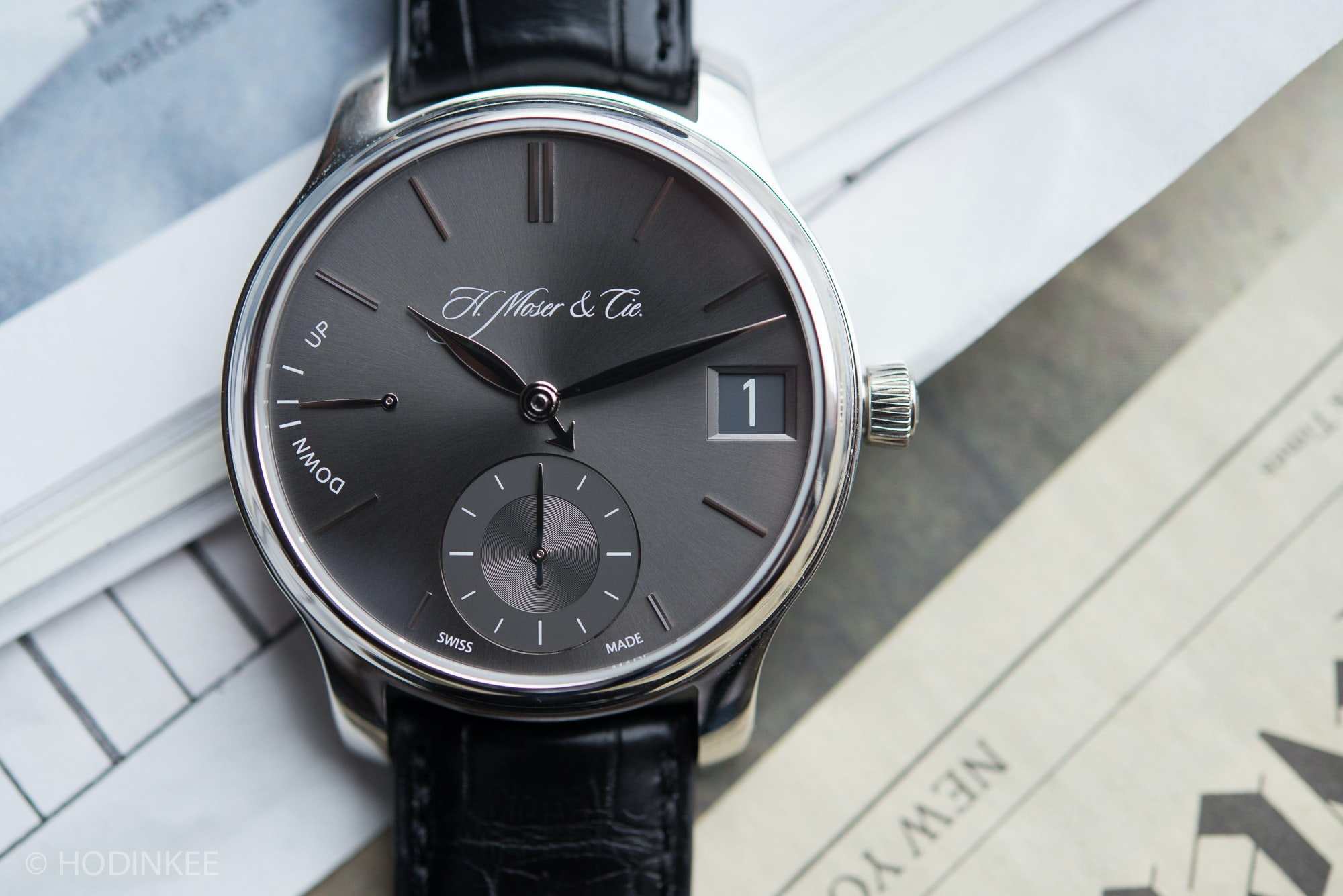 moser endeavor perpetual calendar  Editors' Picks: Five Date Displays Done Well HMoserEndeavourPerpetual 1