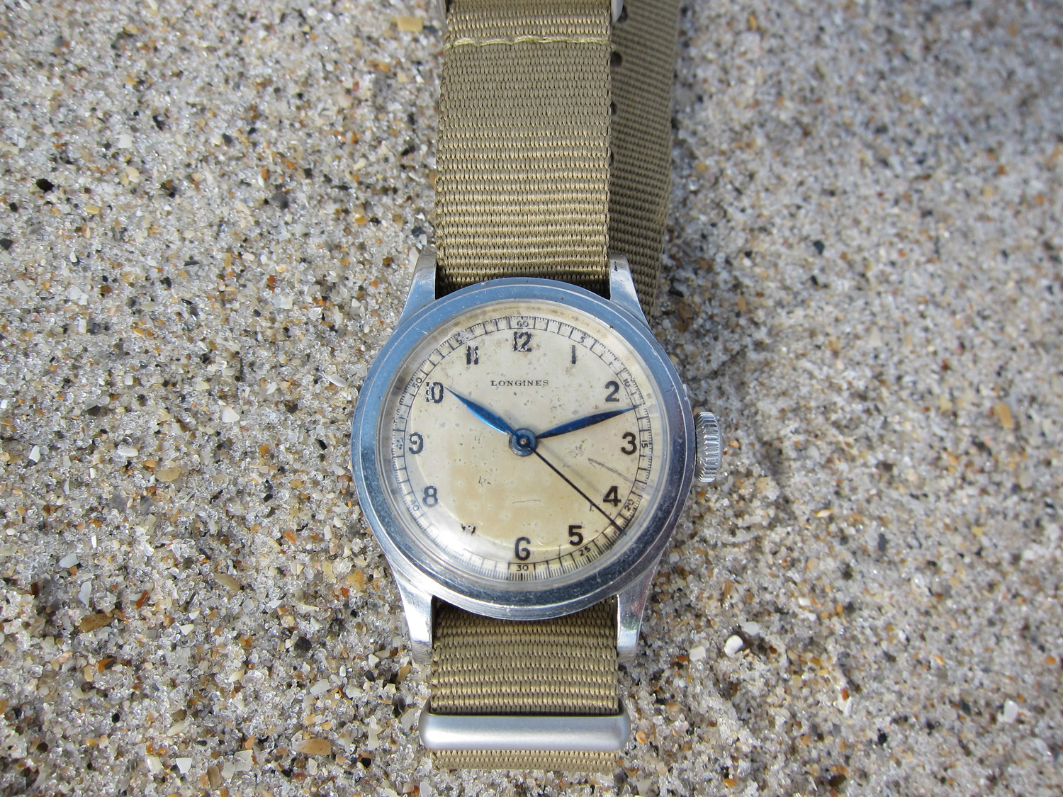 It is a solid watch with definite wear on the dial, but great charisma.