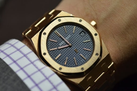 ae1fd618a3d0 Hands-On  The Audemars Piguet Extra-Thin  Jumbo  Royal Oak Reference ...