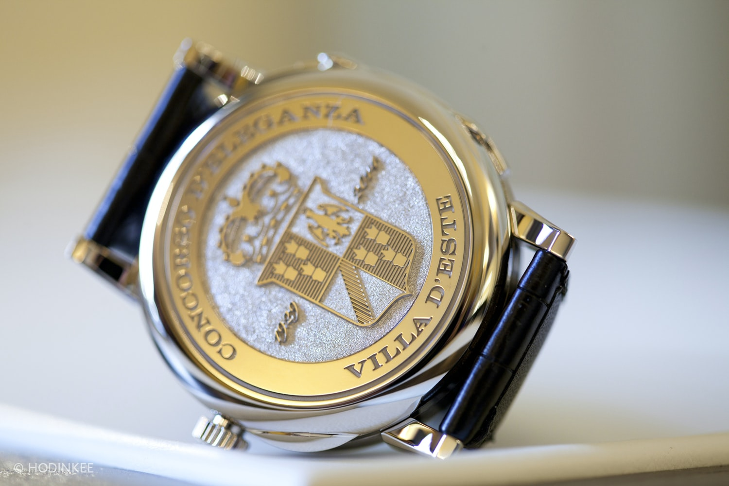 Hand-engraved coat of arms at the back of the watch.  Photo Report: Watch And Car Spotting At The 2016 Concorso d'Eleganza Villa d'Este With A. Lange & Söhne Photo Report: Watch And Car Spotting At The 2016 Concorso d'Eleganza Villa d'Este With A. Lange & Söhne  img