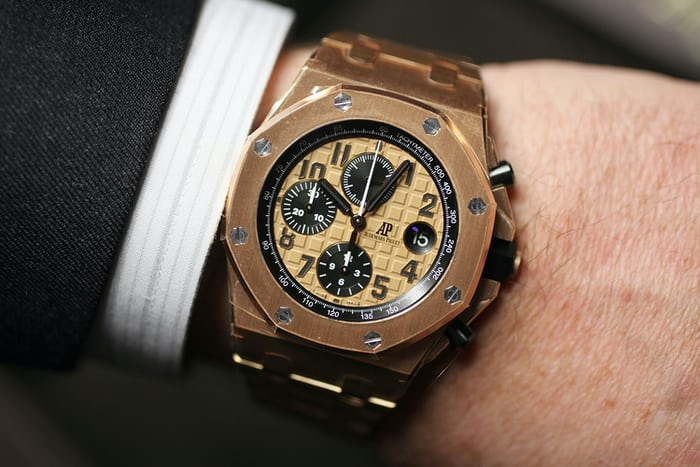 Introducing the new royal oak offshore 42mm collection from audemars piguet live pics details for Royal oak offshore rose gold 42mm