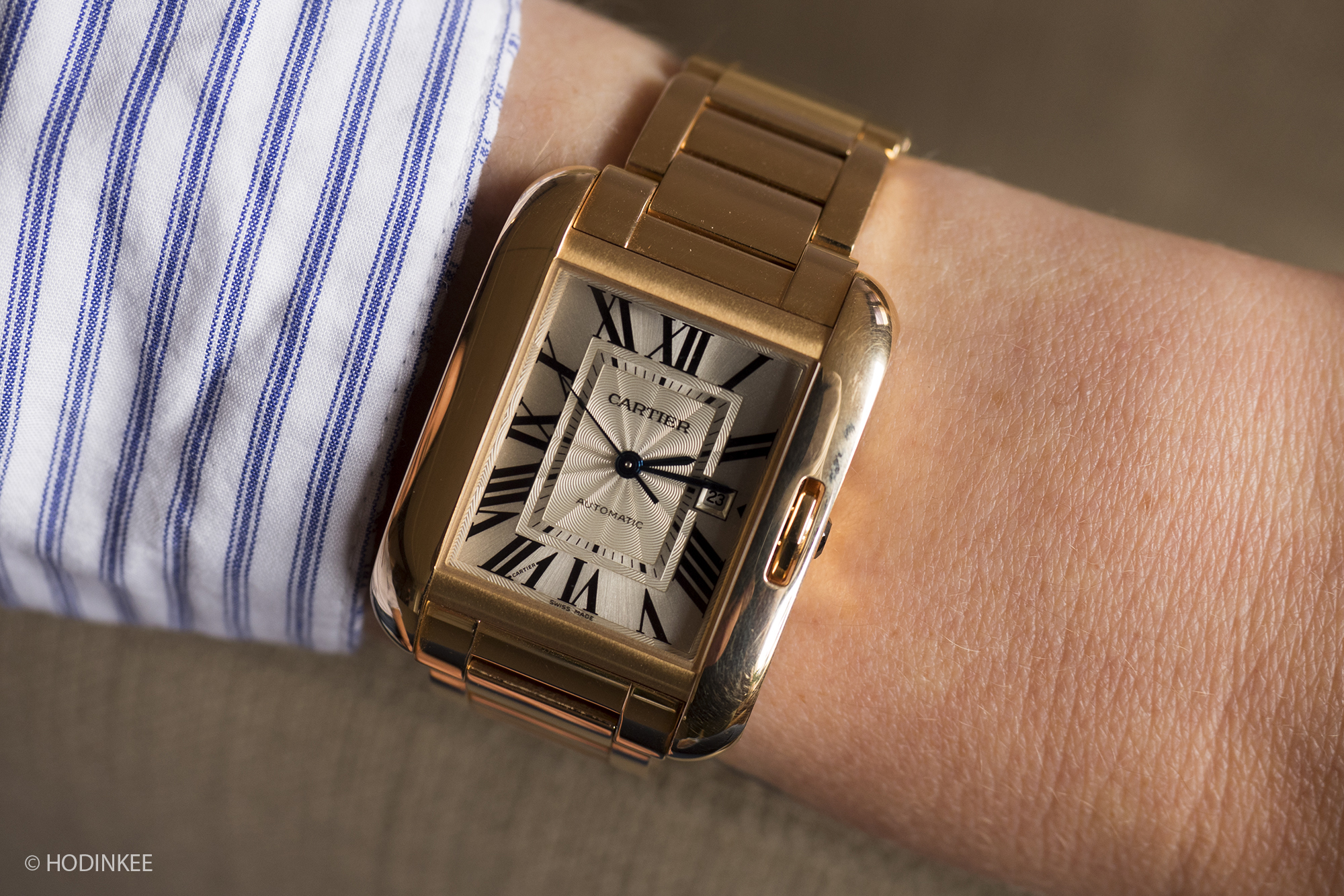hands-on  with the cartier tank anglaise