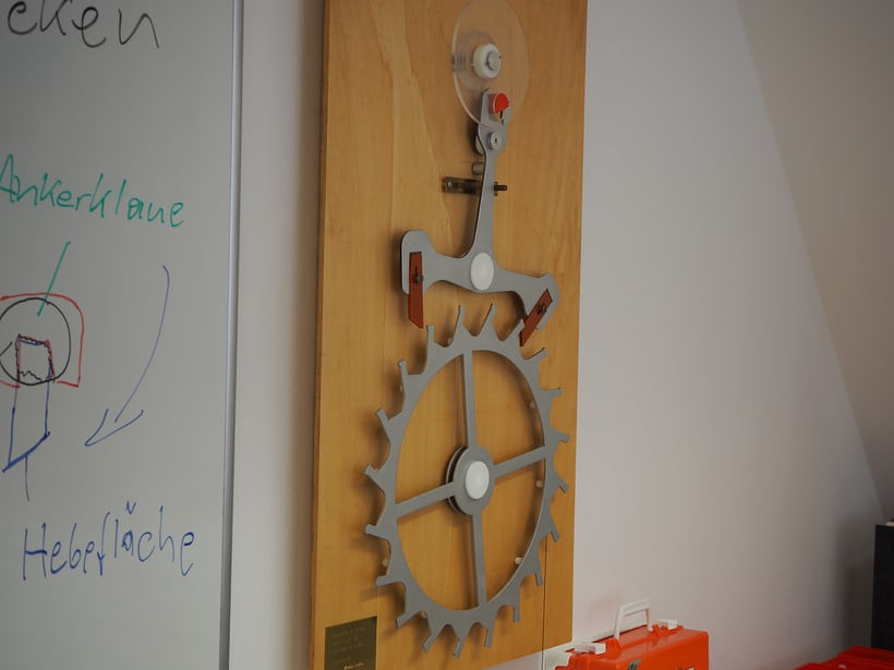 Large escapement model