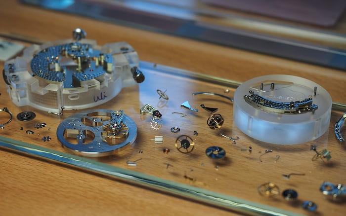 Lange Zeitwerk movement components