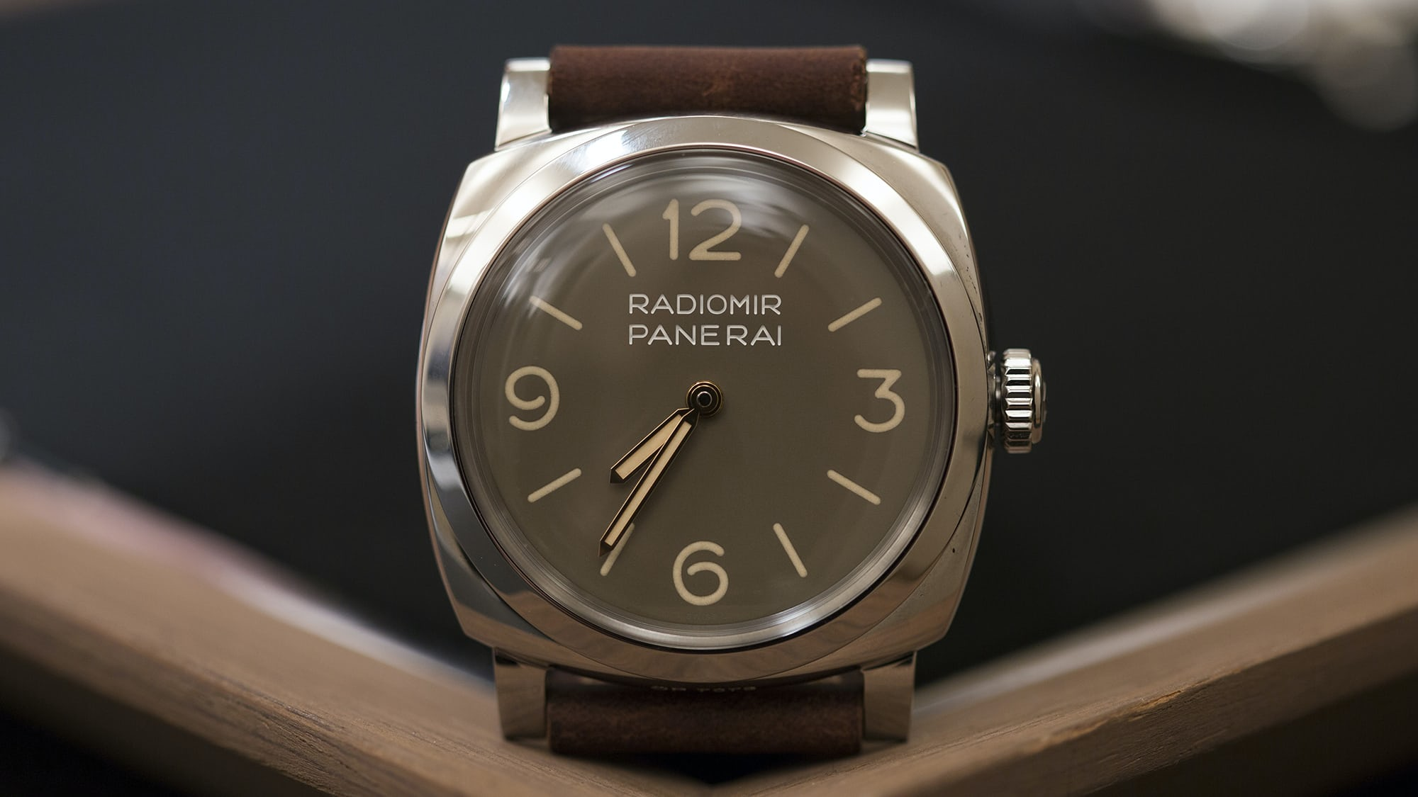 cede12612e7 Hands-On  The Panerai Radiomir 1940 3 Days PAM 662 And Luminor 1950 PAM 663  - HODINKEE