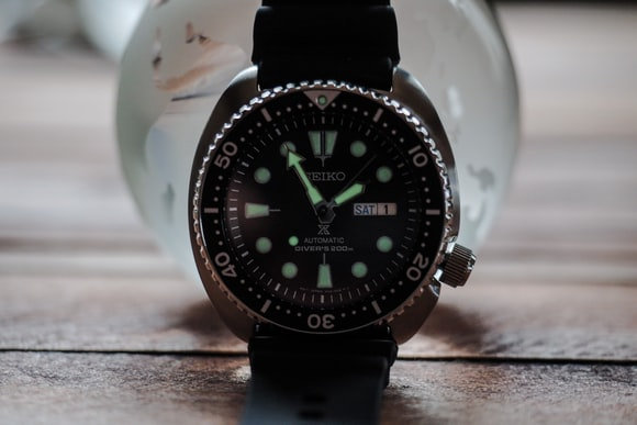 Seiko SRP777 lume shot Hands-On: The New Seiko Prospex 200m Divers, SRP775 And SRP777, Two Dive Watches Made Like Quartz Never Happened Hands-On: The New Seiko Prospex 200m Divers, SRP775 And SRP777, Two Dive Watches Made Like Quartz Never Happened P2160094