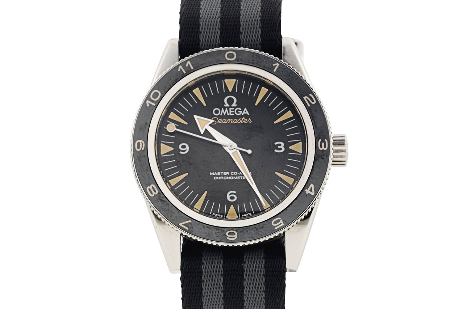 James Bond Spectre in Snow Breaking News: James Bond's Omega Seamaster From 'Spectre' Just Sold For Over $100,000; Aston Martin Fetches Close To $3.5 Million Breaking News: James Bond's Omega Seamaster From 'Spectre' Just Sold For Over $100,000; Aston Martin Fetches Close To $3.5 Million v