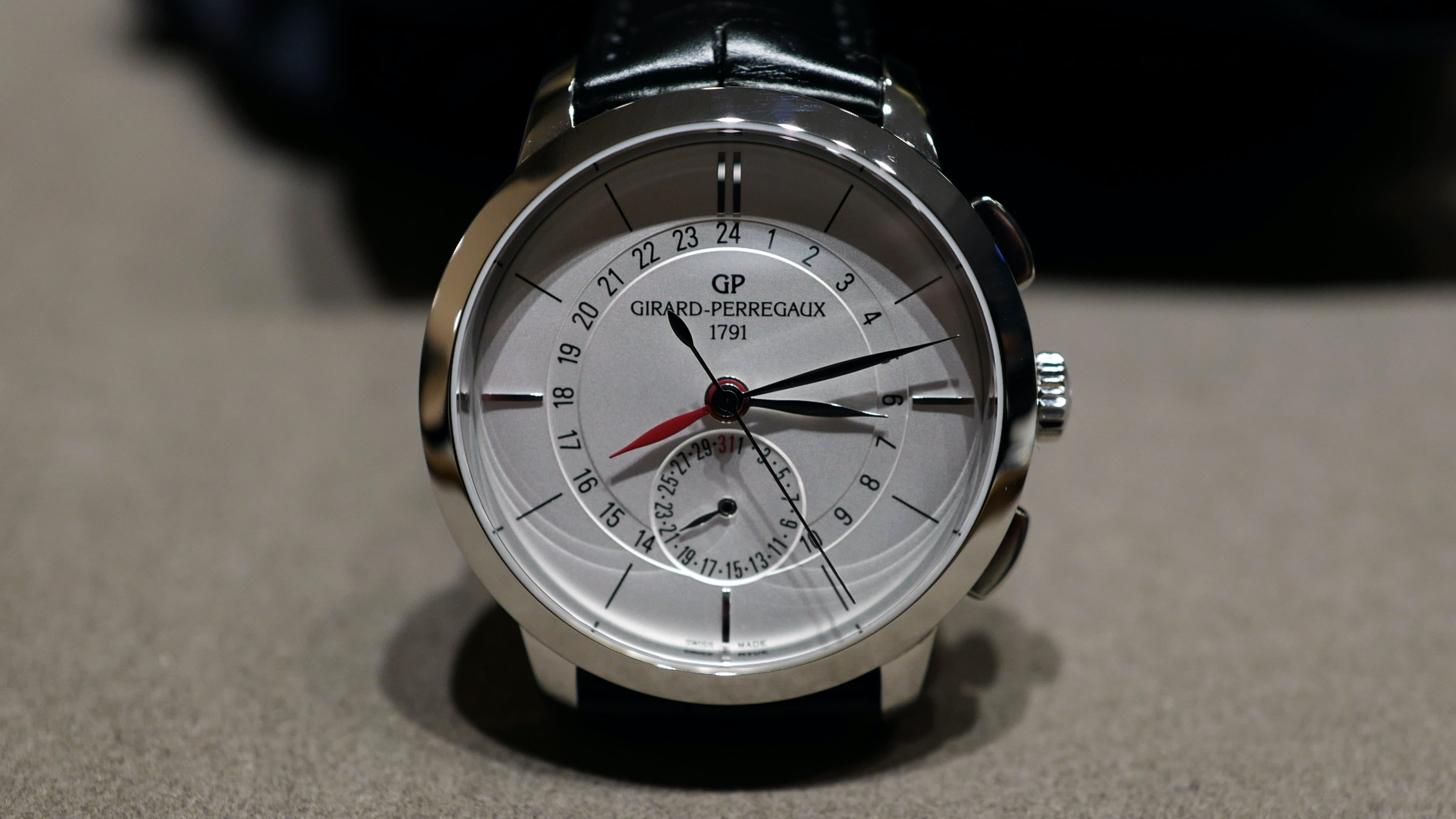 Introducing: The Girard-Perregaux 1966 Dual Time, A User-Friendly And Cost-Friendly Travel Companion Introducing: The Girard-Perregaux 1966 Dual Time, A User-Friendly And Cost-Friendly Travel Companion L1040355