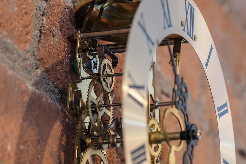 pendulum clock movement