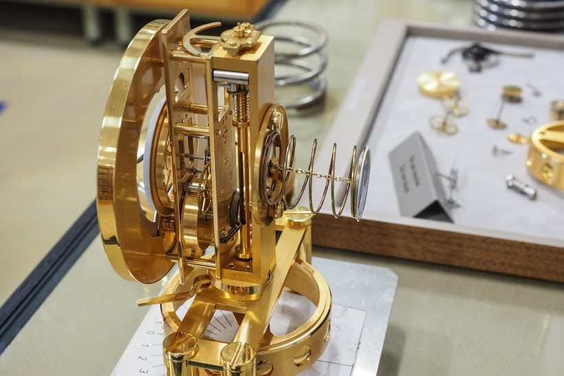 atmos clock manufacturing, winding system