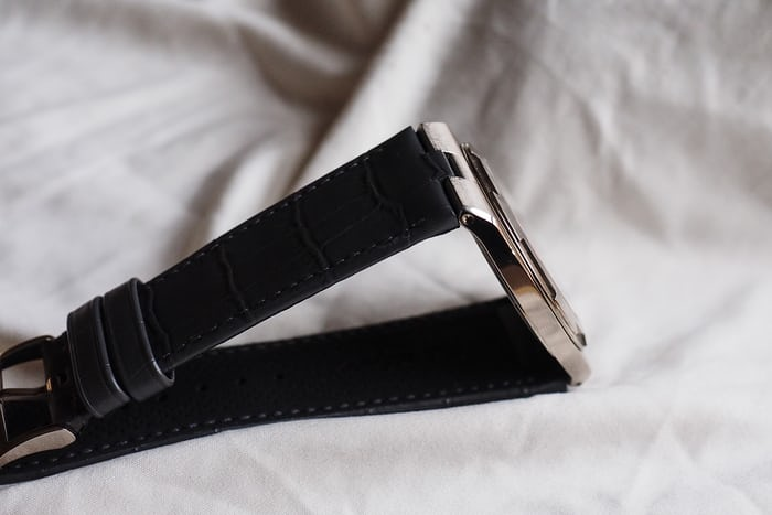 Vacheron Constantin Overseas Ultra-Thin side view on strap