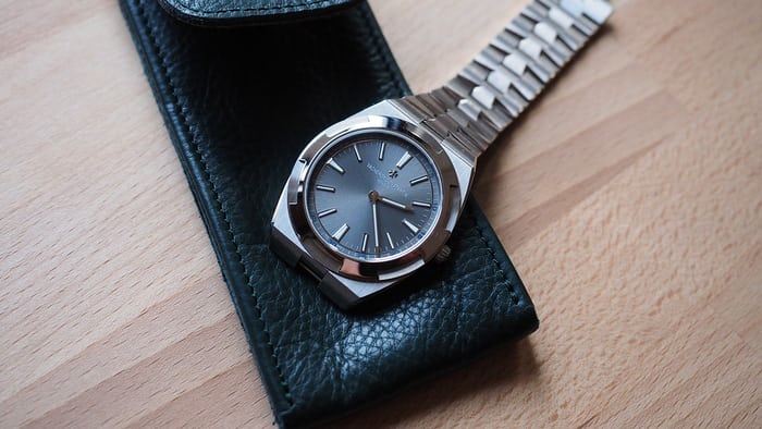 Vacheron Constantin Overseas Ultra-Thin bracelet flank