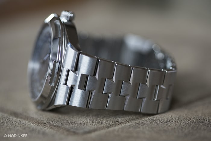 The Vacheron Constantin Overseas World Time bracelet side view