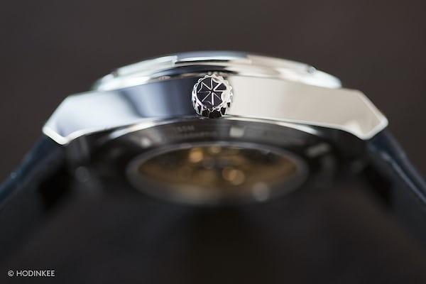 The Vacheron Constantin Overseas World Time crown
