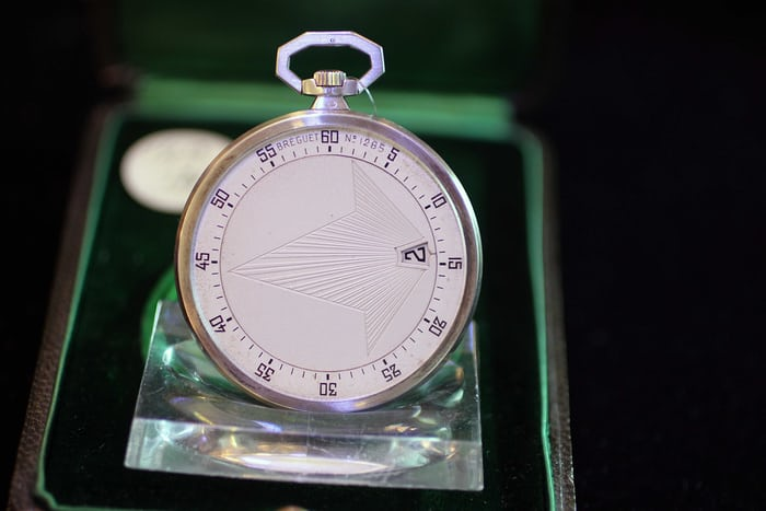 Lot  121: Breguet No. 1285 pocket watch with jump hours and wandering minutes.