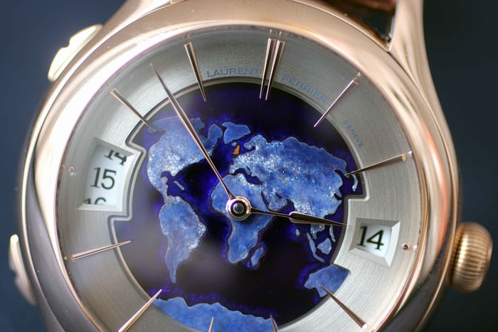 Galet Traveller Globe Night Blue for William & Son close-up