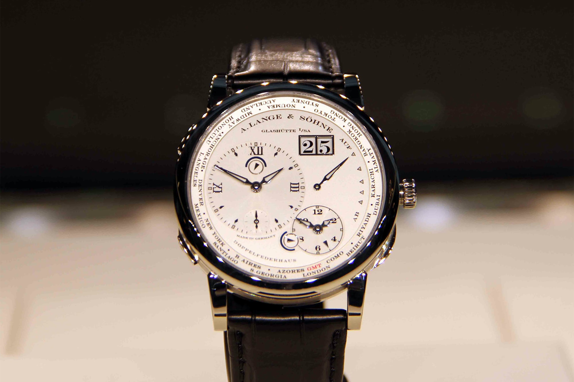 """A. Lange & Söhne Lange 1 Time Zone presented to the """"Best of Show by the Jury."""" Photo Report: Watch And Car Spotting At The 2016 Concorso d'Eleganza Villa d'Este With A. Lange & Söhne Photo Report: Watch And Car Spotting At The 2016 Concorso d'Eleganza Villa d'Este With A. Lange & Söhne aaaa"""