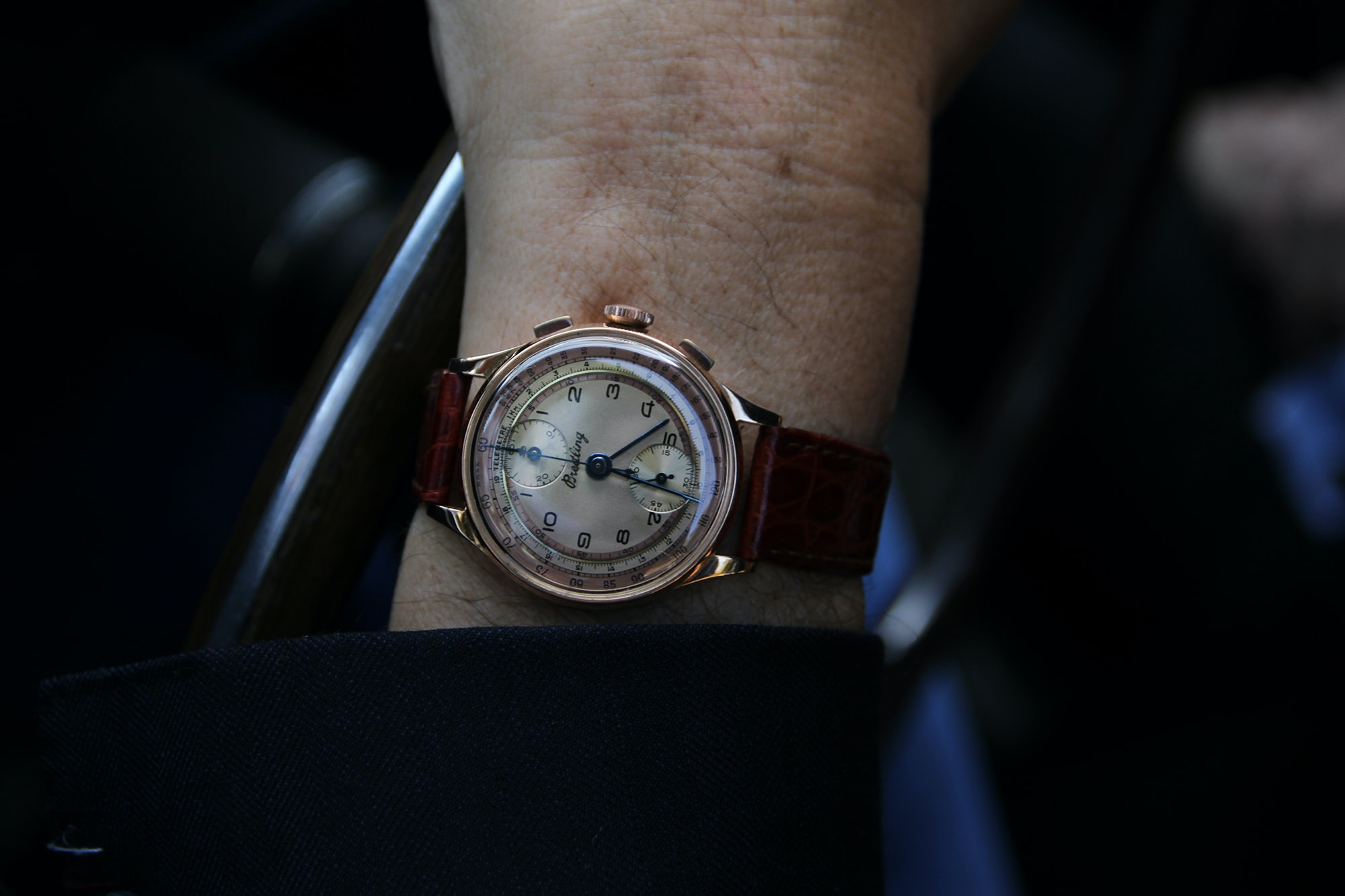 1940s Breitling chronograph with Venus calibre 170. Photo Report: Watch And Car Spotting At The 2016 Concorso d'Eleganza Villa d'Este With A. Lange & Söhne Photo Report: Watch And Car Spotting At The 2016 Concorso d'Eleganza Villa d'Este With A. Lange & Söhne 1