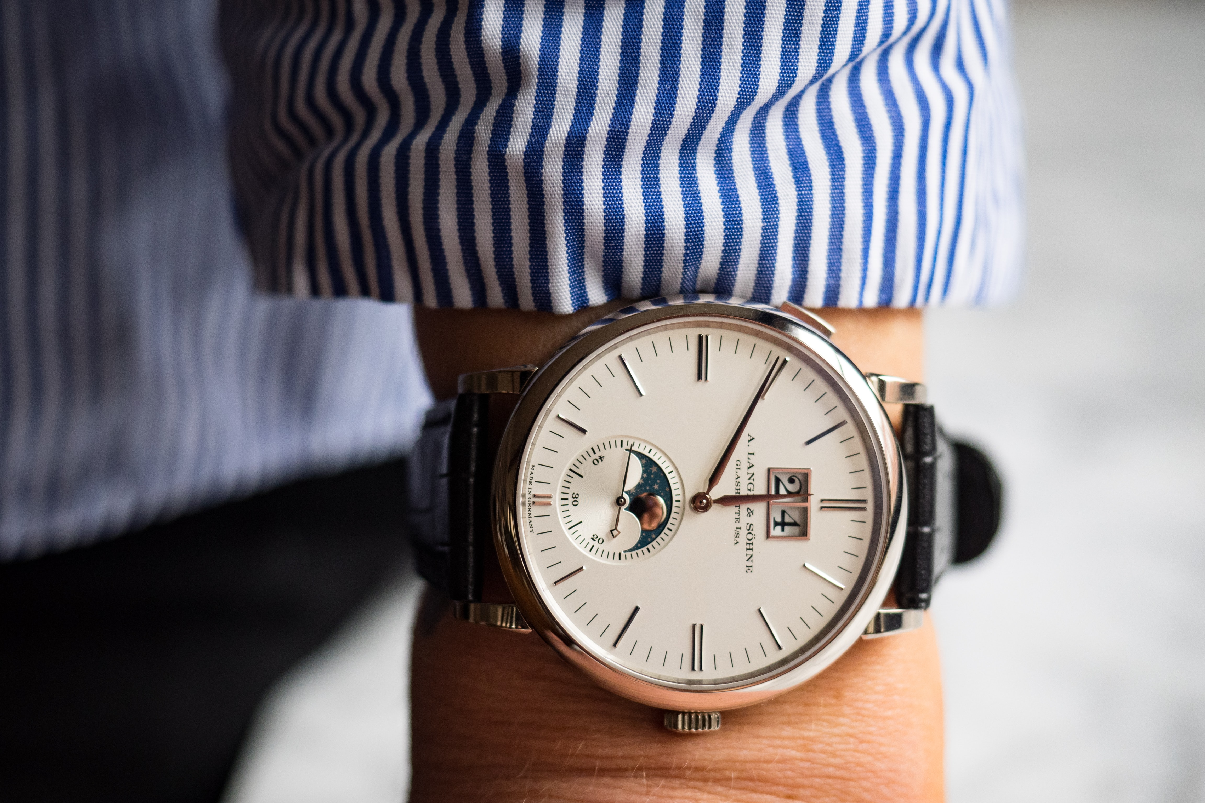 Hands-On: The A. Lange & Söhne Saxonia Moon Phase Hands-On: The A. Lange & Söhne Saxonia Moon Phase we