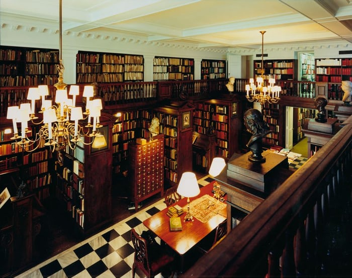 Inside the Grolier Club
