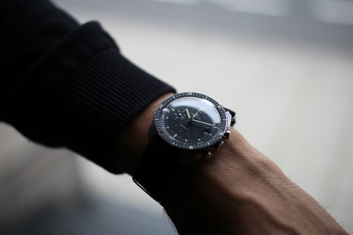 On The Wrist Universal Lemania 5012