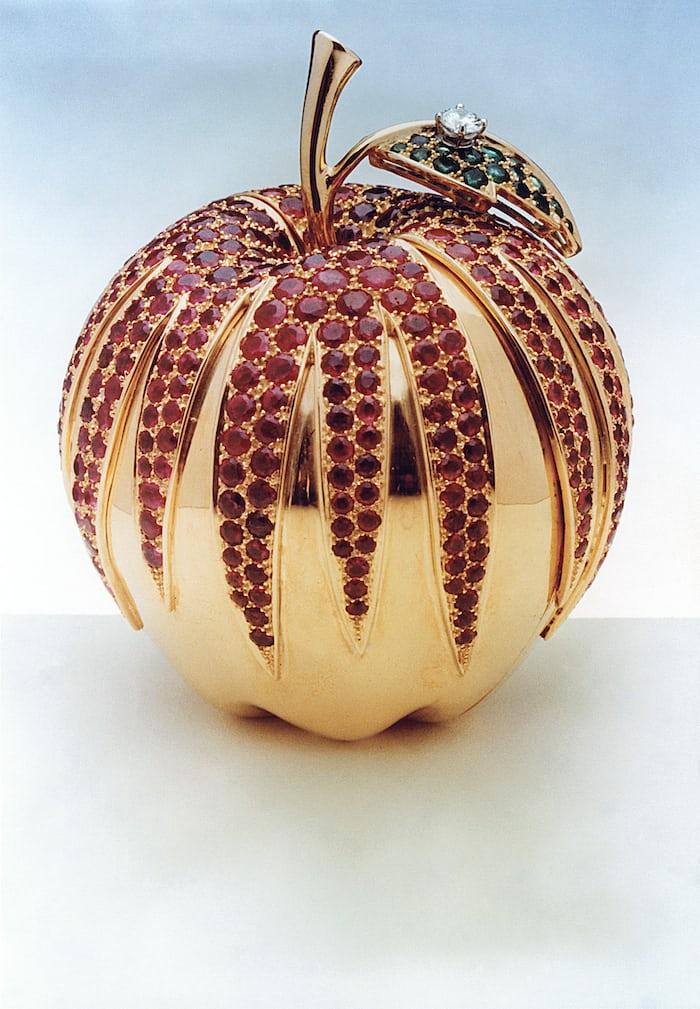 """Cartier """"Big Apple"""" pendant, 1976"""