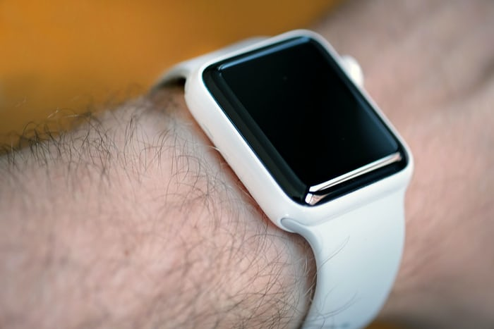 apple watch edition white ceramic display