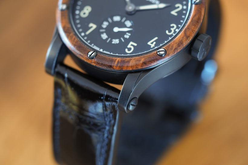 The Ralph Lauren Automotive 39mm amboyna burl bezel