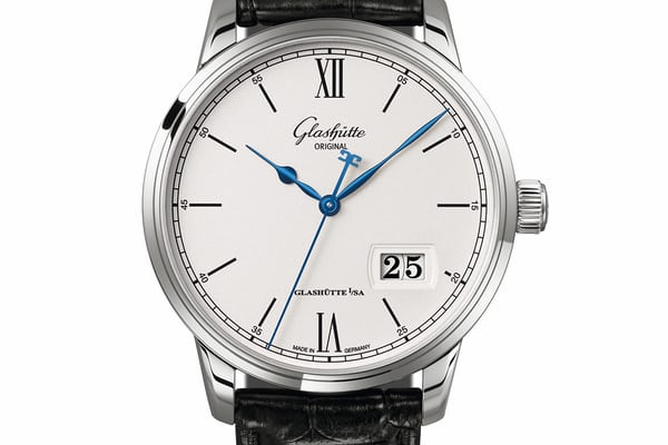 The Senator Excellence Panorama Date in steel