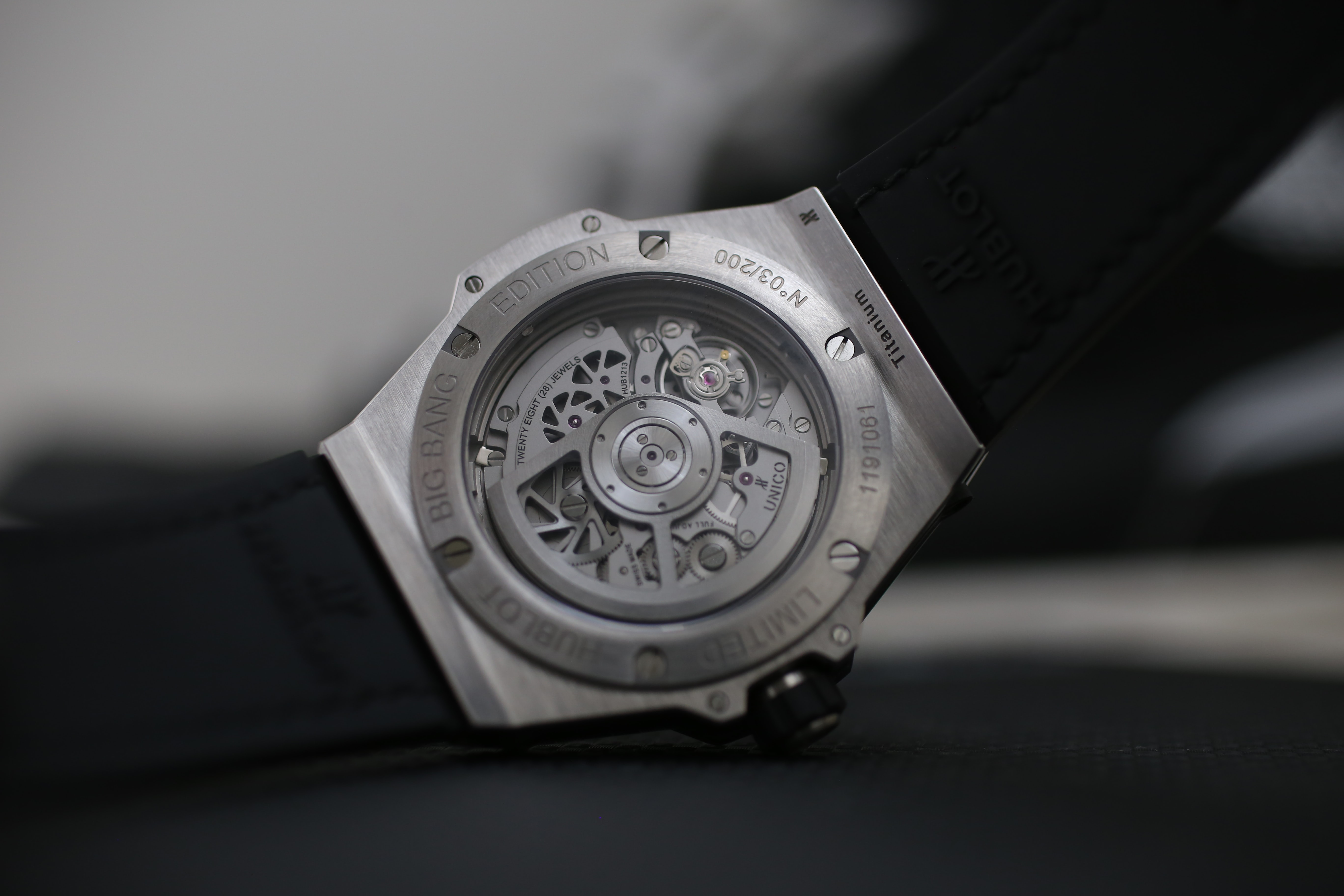 UNICO HUB1213 Hublot Sang Bleu In-Depth: The Hublot Big Bang Sang Bleu – A Tattoo-Inspired Limited Edition That I Actually Like (A Lot) In-Depth: The Hublot Big Bang Sang Bleu – A Tattoo-Inspired Limited Edition That I Actually Like (A Lot) IMG 1064