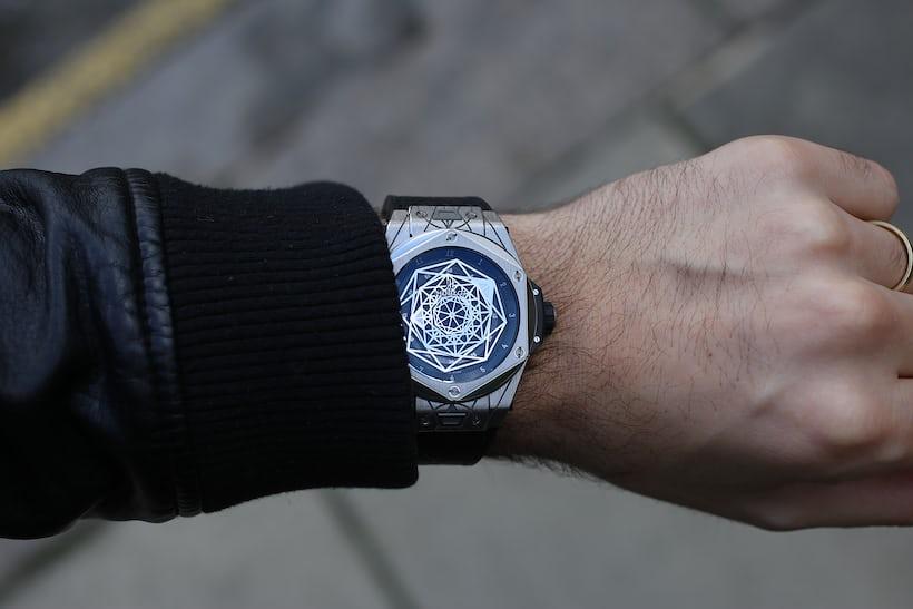 hublot big bang sang bleu wristshot