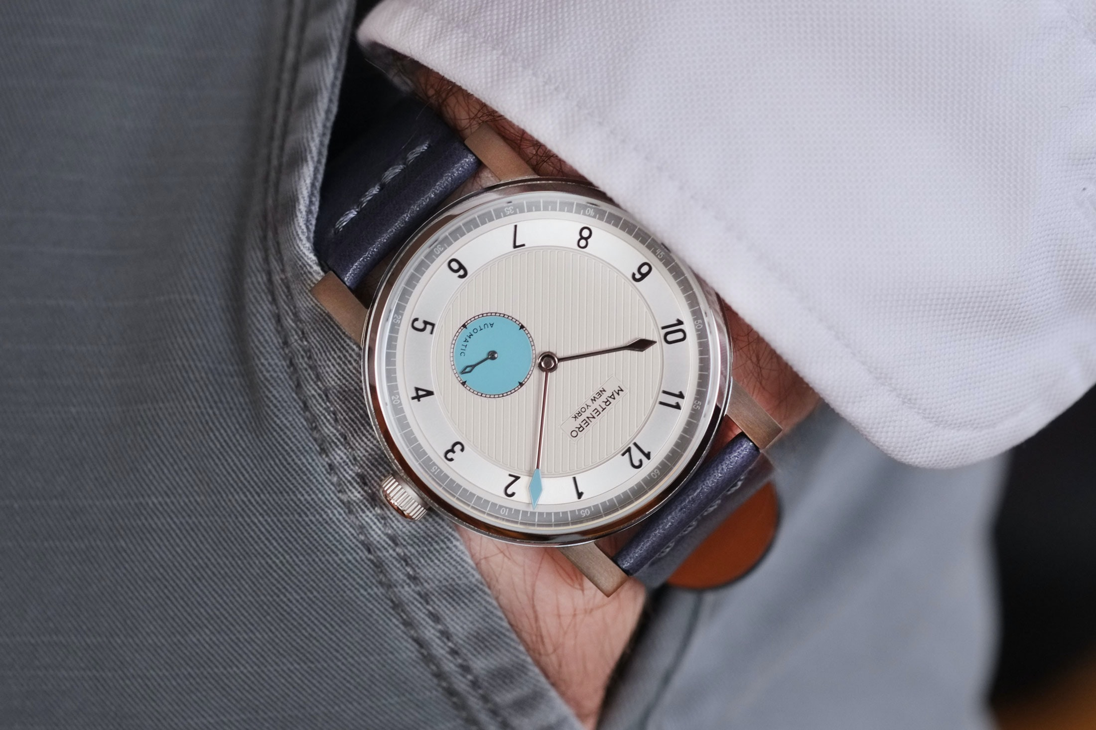 martenero edgemere wrist shot Hands-On: The Martenero Edgemere, A Marine Chronometer-Inspired Watch Designed In New York Hands-On: The Martenero Edgemere, A Marine Chronometer-Inspired Watch Designed In New York martenero 02