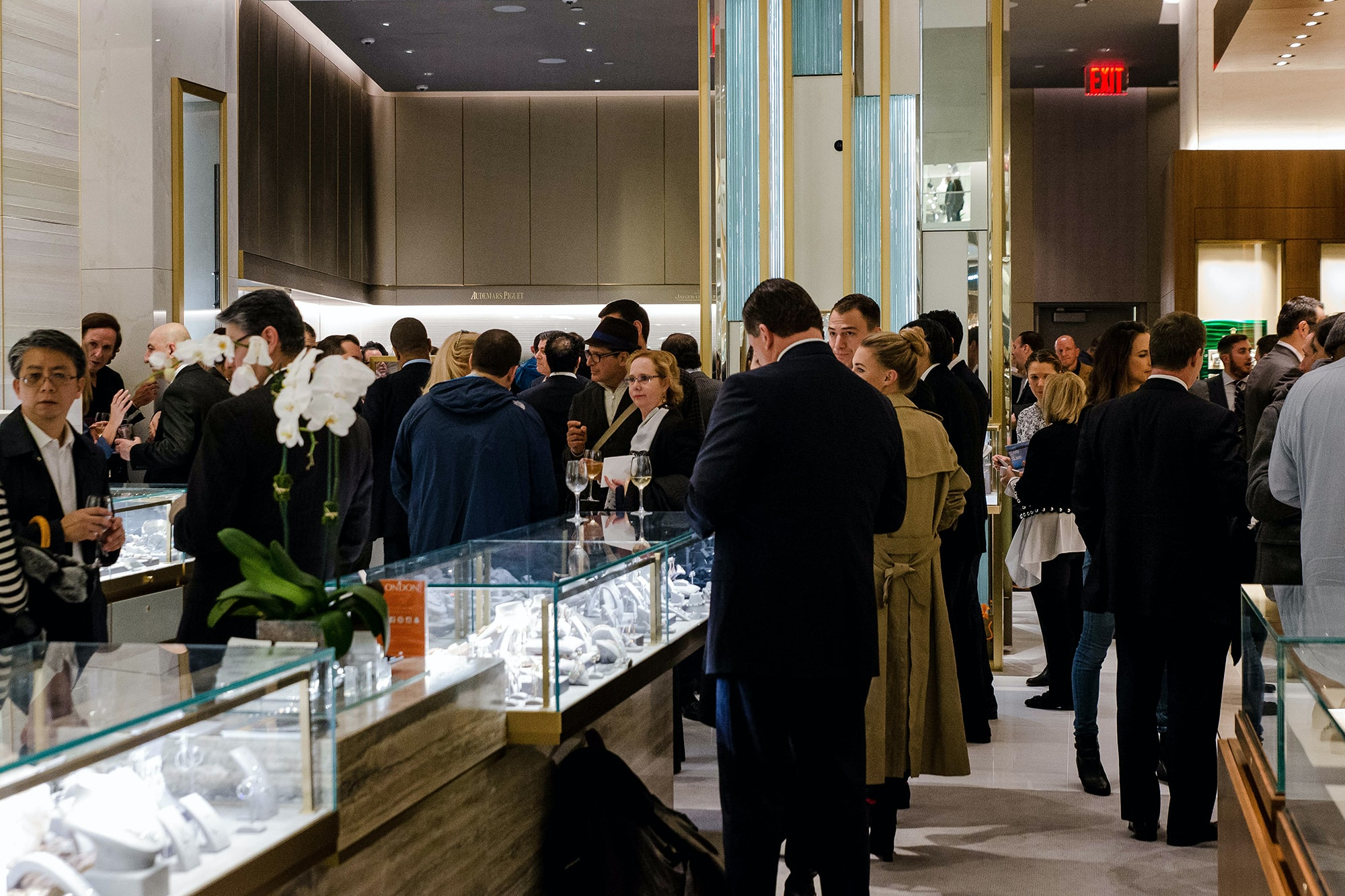 Photo Report: HODINKEE Celebrates London Jewelers' New Store In New York City's Oculus Photo Report: HODINKEE Celebrates London Jewelers' New Store In New York City's Oculus 20161109 LondonJewelersxHodinkee 108