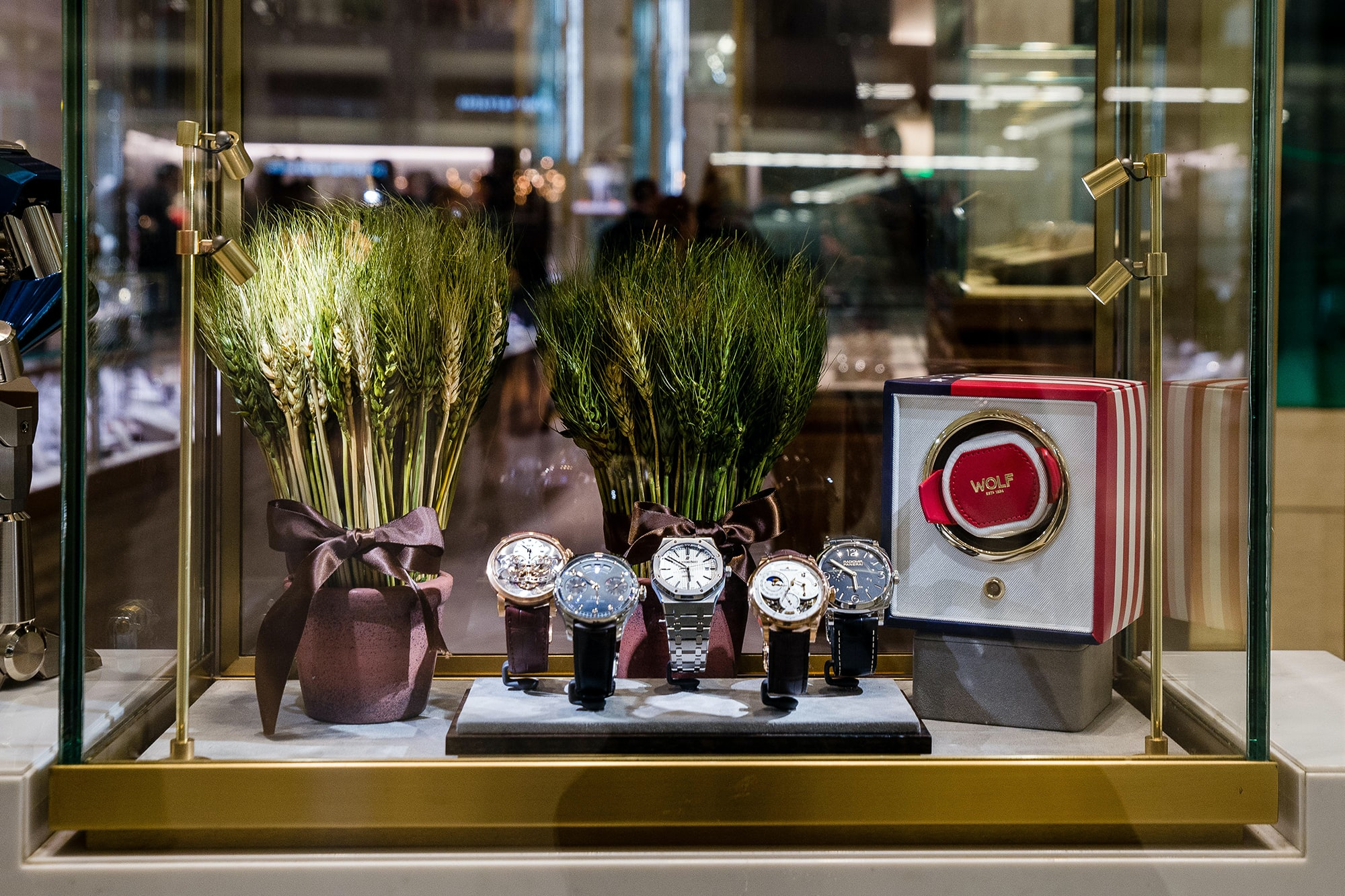 Photo Report: HODINKEE Celebrates London Jewelers' New Store In New York City's Oculus Photo Report: HODINKEE Celebrates London Jewelers' New Store In New York City's Oculus 20161109 LondonJewelersxHodinkee 034