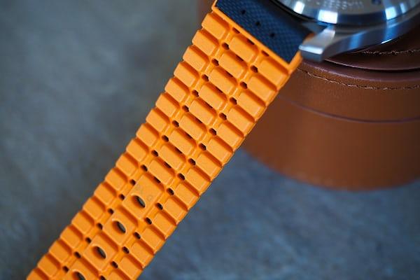 Mühle-Glashütte ProMare chronograph strap