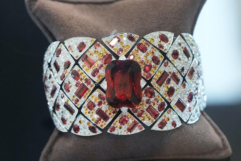 Jewelry – Chanel, Secret Watch 'Signature Grenat'