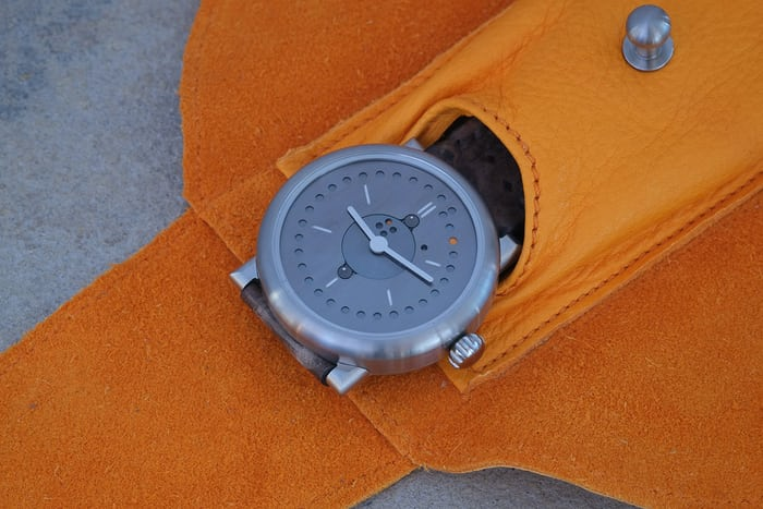 ochs und junior perpetual calendar leather pouch