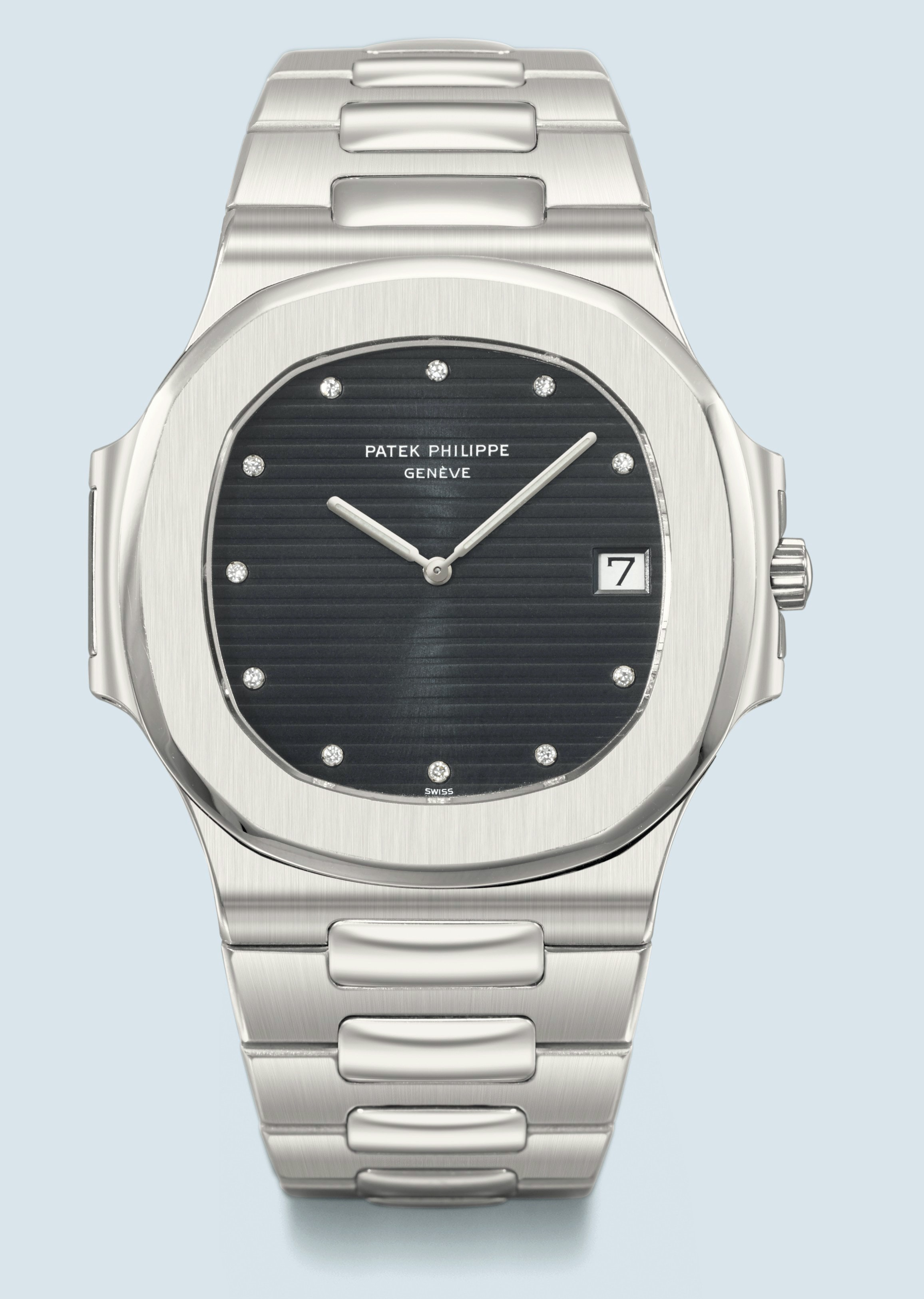 Patek white gold Nautilus 3700G  Some Lessons From Christie's Latest Auction In Geneva (Spoiler Alert: Vintage Patek Is Still King) Some Lessons From Christie's Latest Auction In Geneva (Spoiler Alert: Vintage Patek Is Still King) 8