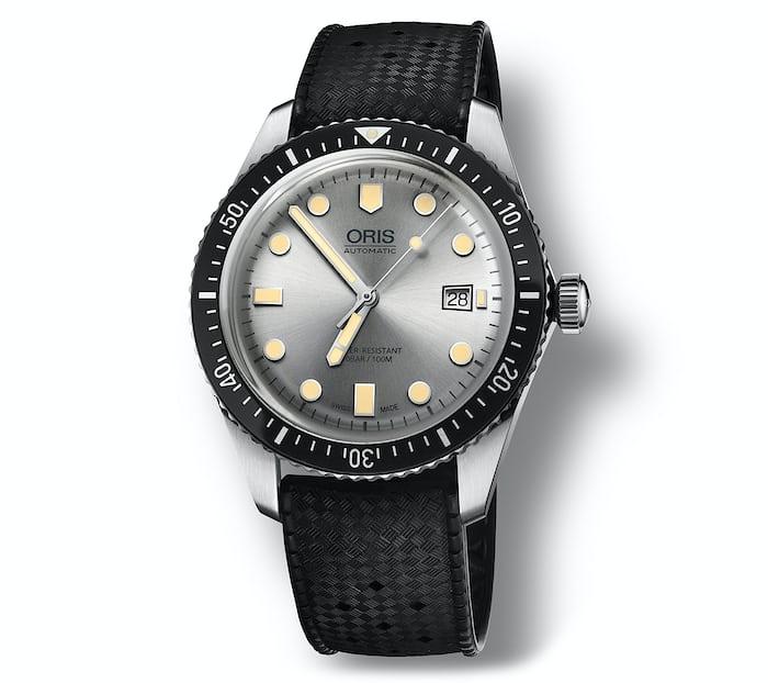 oris divers sixty-five silver dial rubber strap