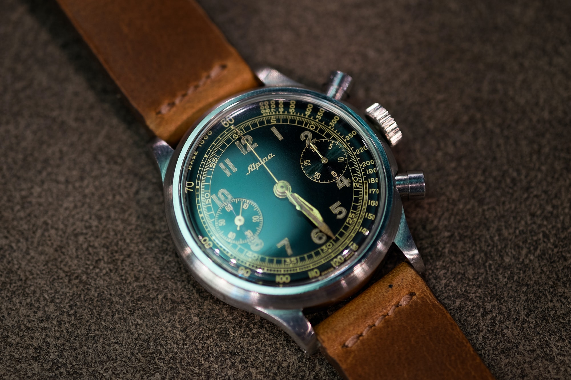 Photo Report: Watch Spotting At The HODINKEE Meet-Up In London (Plus Our Holiday 2016 Pop-Up At Harrods) Photo Report: Watch Spotting At The HODINKEE Meet-Up In London (Plus Our Holiday 2016 Pop-Up At Harrods) Hodinkee x Harroods 02