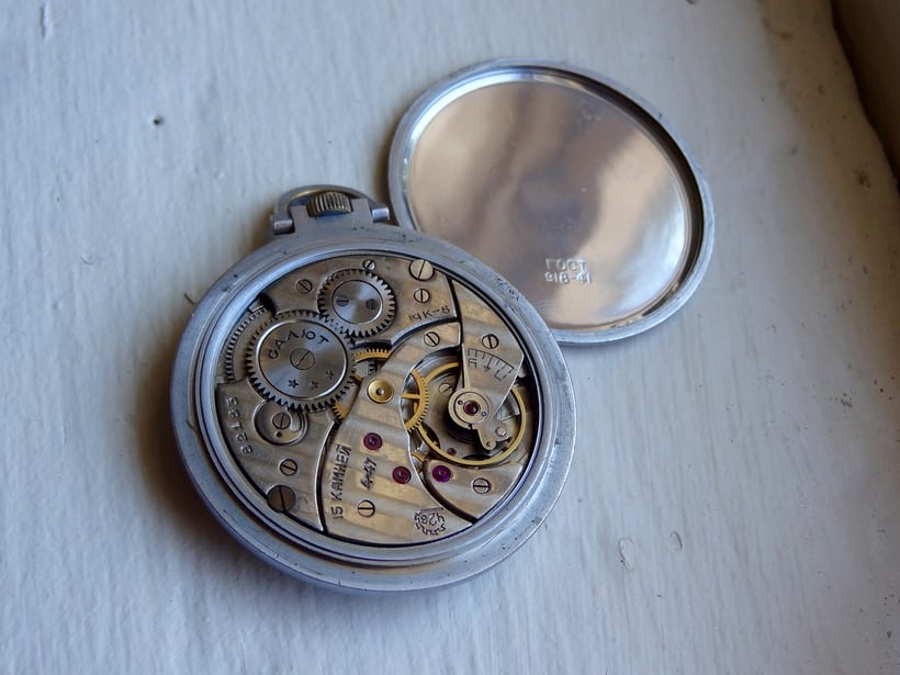 "Molnija ""Salut"" pocket watch, 15 jewels, Second Moscow Watch Factory production, 1947"